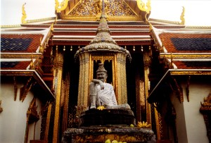 Jīvaka is enshrined in the national temple of Thailand (Wat Phra Kaew).